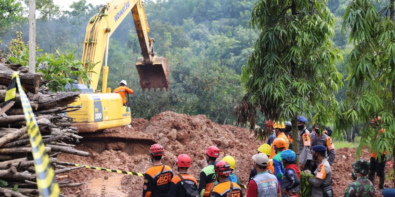Longsor di Nganjuk, 13 Korban Meninggal Ditemukan dan 6 Orang Masih Hilang