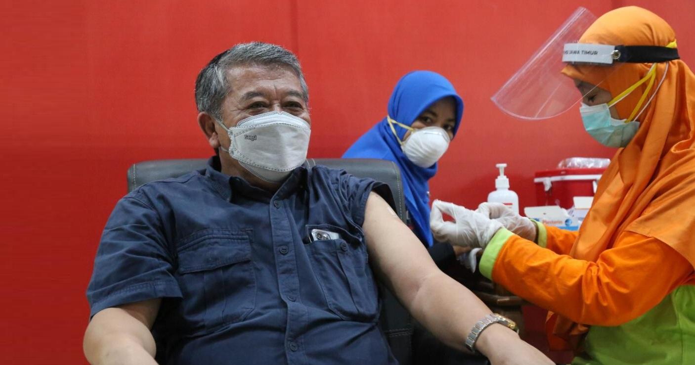 Kusnadi : Lakukan Percepatan Vaksinasi Para Pendidik di Jatim