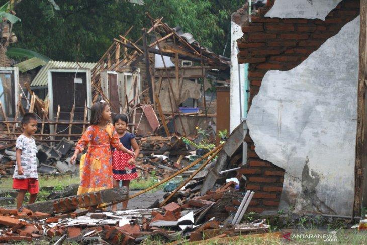 Temui Korban Gempa, Puan Janji Kawal Bantuan Pemulihan Korban