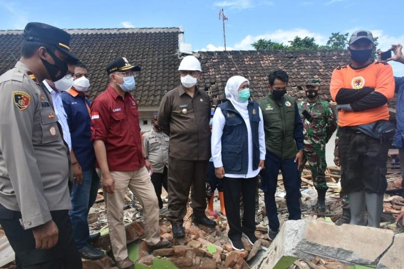 Khofifah Minta Warga Malang, Lumajang dan Blitar Waspadai Gempa Susulan