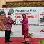 """Peluncuran Buku Tjuk Kasturi Sukiadi """"Sang Nasionalis"""" di BK3S Jatim"""