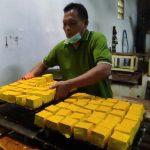 Harga Kedelai Melambung, Sejumlah Pengrajin Kampung Tahu Kediri Tak Produksi Stik Tahu