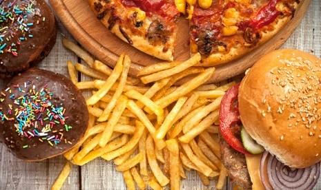 Pakar Penyakit Dalam Unair: Junk Food Bukan Satu-satunya Penyebab Obesitas