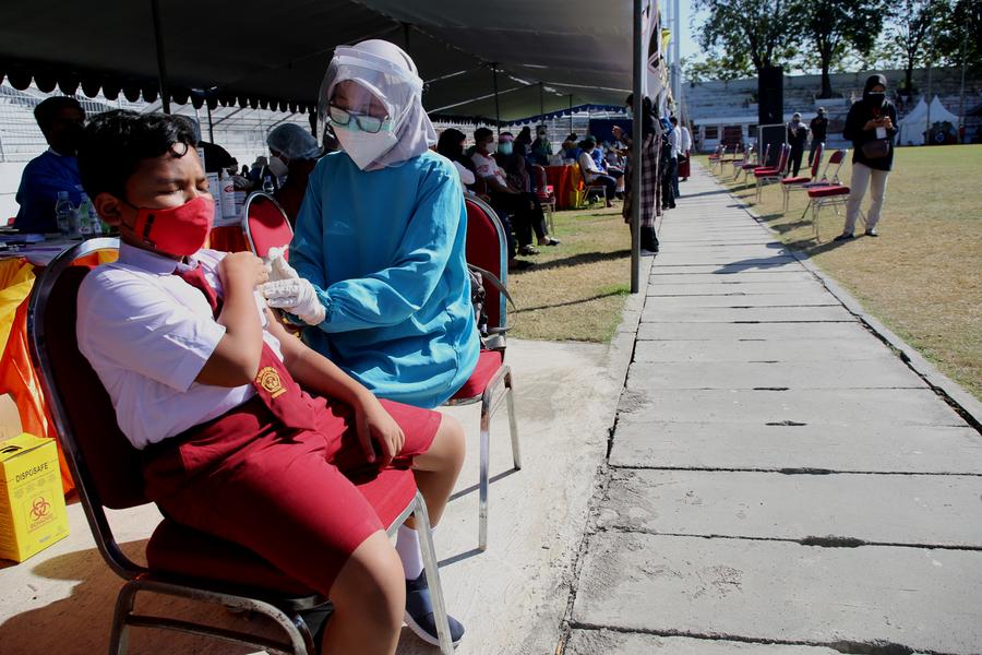 20 Ribu Pelajar SD-SMP di Surabaya, Jalani Vaksin Covid-19