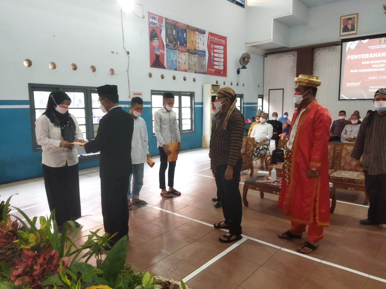 Sebanyak 17 Warga Binaan Lapas Kediri Mendapat Remisi