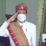 Pimpin Upacara di Istana Merdeka, Presiden Kenakan Pakaian Adat Lampung