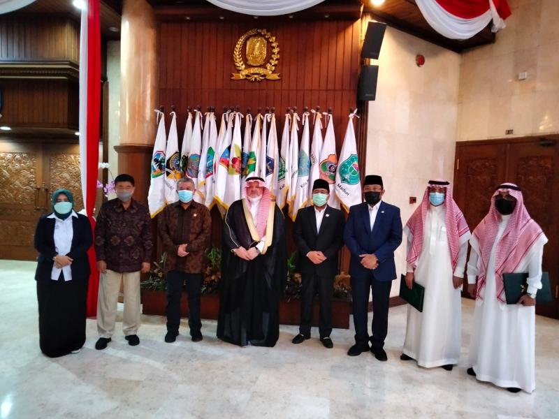 Dubes Arab Saudi Kunjungi DPRD Jatim, Berikan Kabar Umroh dan Haji akan Dibuka Kembali